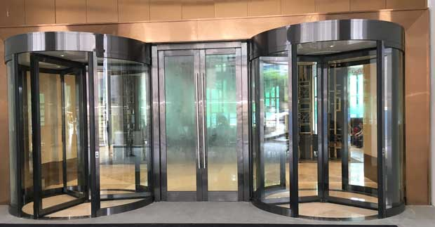 How to perform revolving door repair and replacement in Chicago Il