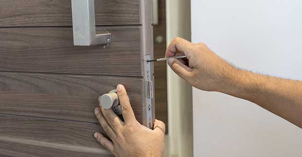 Know When Your Commercial Doors Need Repairs or Replacements